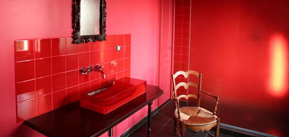 Chambre peinture rouge for Chambre a coucher peinture rouge